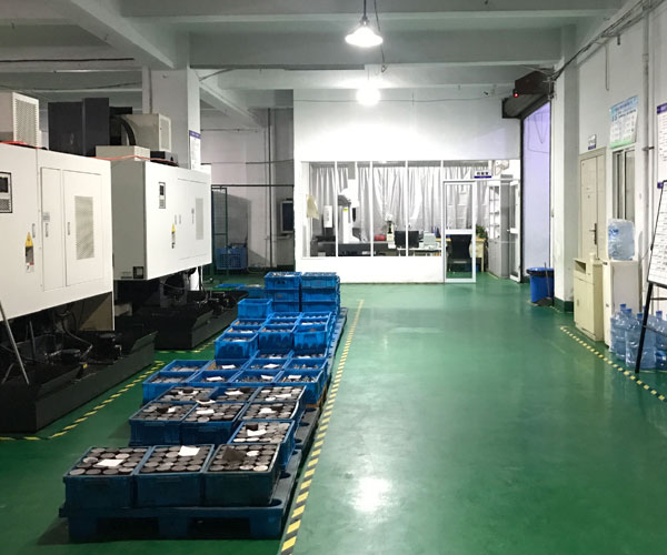 CNC Machining Parts Supplier Workshop Image 3