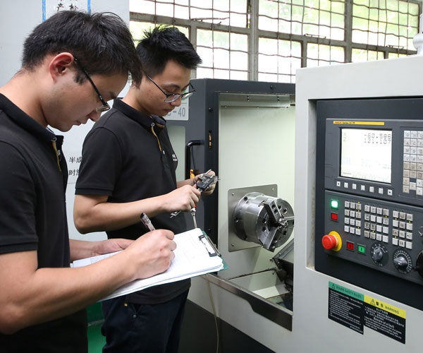 CNC Machined Parts Supplier Workshop Image 4